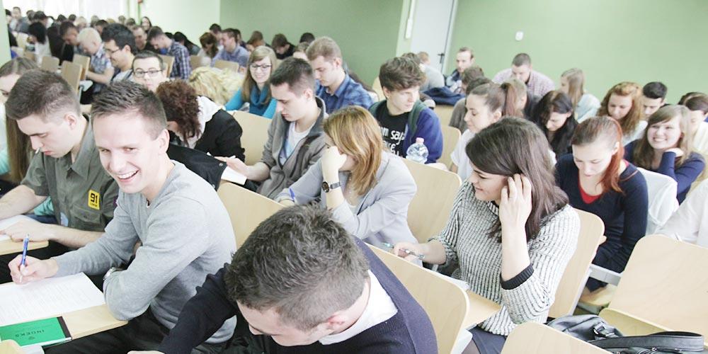 Zdjęcie ilustrujące atut WSZOP: uczymy interdyscyplinarnie
